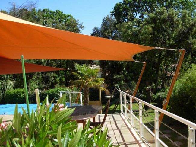 Les couleurs chaudes donneront un aspect chaleureux et accueillant à votre jardin.