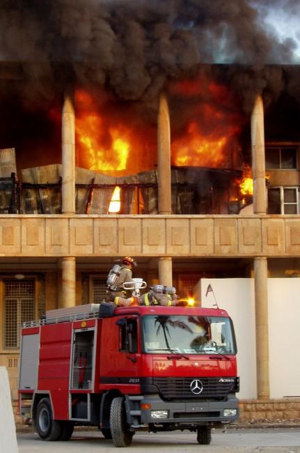 N'hésitez pas à appeler les pompiers qui sauront gérer la situation.