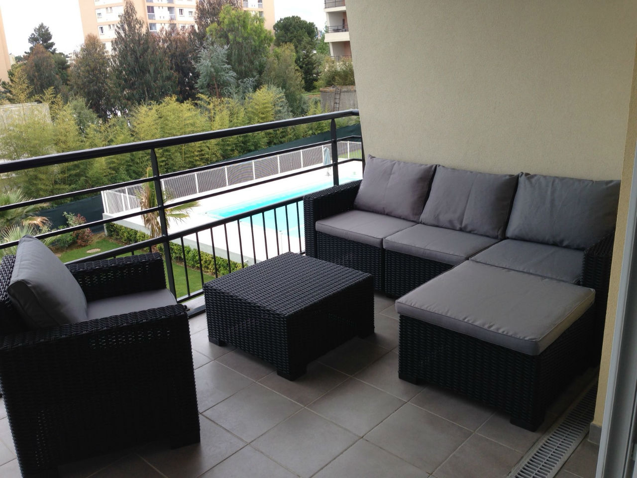 comment am nager sa terrasse. Black Bedroom Furniture Sets. Home Design Ideas