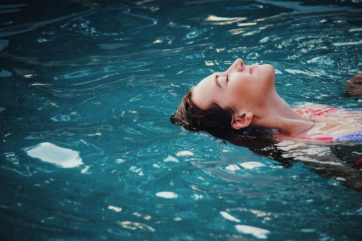 Abri pour piscine : comment fonctionne la motorisation ?